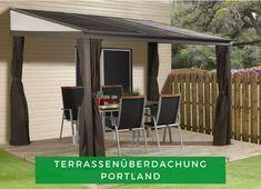 Terrasse Ideen: Lust auf einen gemütlichen Abend auf der Terrasse? Die Terrassenüberdachung Portland sorgt zum einen dafür, dass Sie auch bei Regen draußen sitzen können und zum anderen, dass Sie mithilfe des Moskitonetzes sich vor lästigen Mücken schützen können. Klingt gut? Sichern Sie sich jetzt dieses Modell! #Terrasse #Überdachung #Gartengestaltung Gazebo Curtains, Outdoor Curtains, Outdoor Rooms, Outdoor Living, Outdoor Decor, Concrete Patios, Hardtop Pavillon, Hardtop Gazebo, Brown Curtains