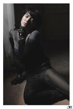Silk & Angora handmade pullover Etienne Jeanson FW 09-10 Photo : Camellia Menard Model : Chian Chu fashion - model - photography - Paris