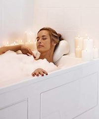 Pearl Powder At-Home Spa Treatments Spa Day At Home, Home Spa, Luxury Bathtub, Walk In Bathtub, Spa Center, Spa Tub, Soaker Tub, Bath Soak, Spa Treatments