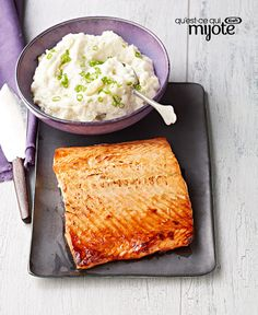 Honey-Dijon Salmon with Creamy Cauliflower Mash Recipe Easy Cooking, Healthy Cooking, Cooking Recipes, Healthy Recipes, Seafood Recipes, Healthy Foods, Creamy Cauliflower, Mashed Cauliflower, Dijon Salmon