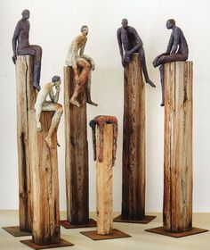 Excellent No Cost Sculpture Clay woman Tips There are plenty of forms of clay-based useful for statue, just about all numerous in terms of controlling an Sculptures Céramiques, Sculpture Clay, Ceramic Figures, Ceramic Art, Inspiration Art, Arte Popular, Oeuvre D'art, Clay Art, Wood Carving