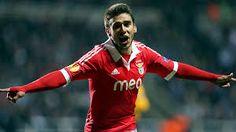 Calciomercato estero: Salvio non rinnova col Benfica, colpo Viatri per il Banfield - http://www.maidirecalcio.com/2015/01/21/calciomercato-estero-salvio-non-rinnova-col-benfica-colpo-viatri-per-il-banfield.html