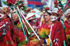 carnaval de barranquilla One month in 1982 Going back 2014!! Festival Celebration, Celebrate Life, Culture, Prado, Celebrities, Festivals, Pictures, Passion, Colorful