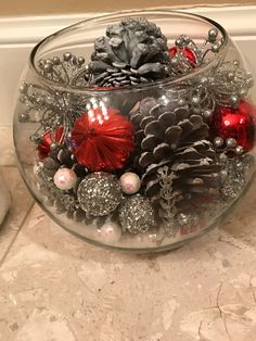 Budget Friendly Christmas Decorations - Hike n Dip - - In case you are thinking about easy and cheap Christmas Decorations, then here I have collected Budget Friendly Christmas Decorations to help you do so. Dollar Store Christmas, Christmas Jars, Cheap Christmas, Rustic Christmas, Simple Christmas, Beautiful Christmas, Christmas Wreaths, Primitive Christmas, Christmas Christmas
