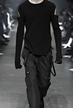 evan-knoblauch: Versus Versace Spring 2017
