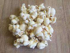 Consiglio sull'alimentazione Herbalife: evita i sacchetti di popcorn per il microonde, piuttosto cucinali da solo. Cospargili di spezie e abbatti le calorie! 🍿🍿🍿 Contattami qui: http://wu.to/PQeA08