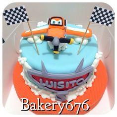 Pastel aviones / planes cake Bakery 676