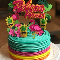 Setting up the decoration of a party requires great care. Therefore, including a cake topper is a Flamingo Party, Flamingo Cake, Flamingo Birthday, 1st Birthday Foods, Fruit Birthday, 2nd Birthday Parties, Luau Cakes, Party Decoration, Tropical Party