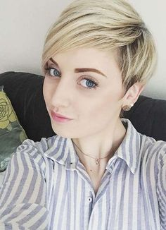 Short Hairstyles for Women with Thin/ Fine Hair: Blonde Pixie #thinhair shorthairstyles #finehair