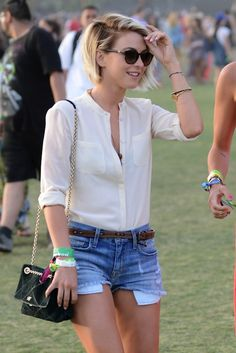 Julianne is chic, cute and simple! http://www.twistmagazine.com/2013/04/the-coolest-looks-at-coachella-courtesy-of-bella-thorne-lucy-hale-more.html