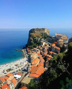 Tourism in Italy Italy Tourism, Italy Travel, Beautiful World, Beautiful Places, Places To Travel, Places To Visit, Reggio Calabria, Visit Italy, Sicily