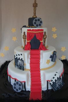 Hooray For Hollywood covered in BC then fondant. Hollywood Sweet 16, Hollywood Cake, Hollywood Theme, Hollywood Birthday Parties, 13th Birthday Parties, 16th Birthday, Birthday Cake, Cinema Party, Glamour Party
