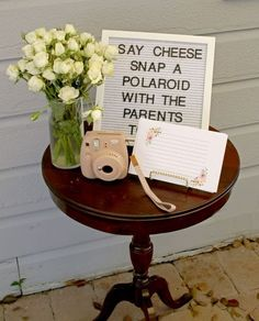 Home Interior Salas 12 Awesome Baby Shower Activities and Ideas that Aren't Games - LoveLiliya.Home Interior Salas 12 Awesome Baby Shower Activities and Ideas that Aren't Games - LoveLiliya Boho Baby Shower, Baby Shower Photo Booth, Baby Shower Brunch, Regalo Baby Shower, Bebe Shower, Baby Shower Invitaciones, Baby Shower Photos, Baby Shower Gender Reveal, Baby Shower Parties