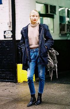 winter outfit inspiration - cropped sweater, navy blue parka + boyfriend jeans
