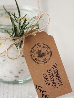 DIY-Anleitung: Rosmarin-Zitronen-Salz selber machen via DaWanda.com