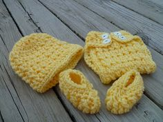 designs by diligence: Curling Baby Set