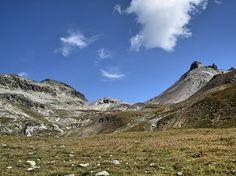 Piz da la Funtauna (3092 m) und Sass Nair (2762 m) oberhalb von Celerina (GR)