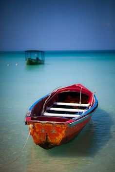 Negril Morning by RJIPhotography, via Flickr I took a very similar photo of this same boat…have a large print of it on my wall…!!!