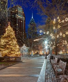 Christmas in Rittenhouse Square, Philadelphia   Home sweet Home!!!  I sold my first major paintings right here at the fair, soooo sooo long ago and soo many painting gone to new homes I can't begin to count... Thanks you all of you.