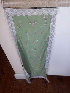 Granny curtain!