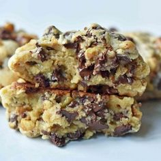Baked Caprese Chicken – Modern Honey Single Chocolate Chip Cookie Recipe, Chocolate Chip Walnut Cookies, Walnut Cookie Recipes, Levain Cookies, Levain Bakery, Bite Size Cookies, Famous Chocolate, Peanut Butter Chips, Homemade Chocolate