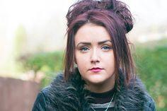 La chica misteriosa de Reino Unido que sangra por ojos, oídos y nariz