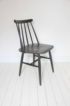 Fanett chair, Tapiovaara Design - www.kifkef.be