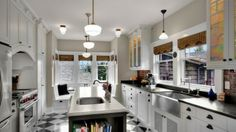 White Kitchen Decoration