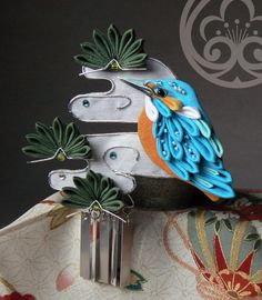 Kingfisher  カワセミ tsumami kanzashi with pine branch 松 and clouds 雲