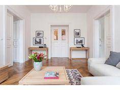 Obývačka - Byt z 30. rokov, Praha Gallery Wall, Room, Praha, Home Decor, Bedroom, Decoration Home, Room Decor, Rooms, Interior Design