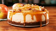 Carmel Apple Cheesecake with Ginger Snap Crust - Loree the Domestic Diva Carmel Apple Cheesecake, Cheesecake Trifle, Trifle Recipe, Cheesecake Cookies, Delicious Desserts, Dessert Recipes, Cupcake Recipes, Holiday Baking, Caramel Apples