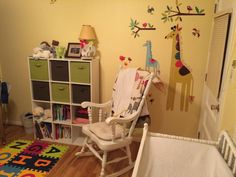 When decorating nurseries today, many parents opt to stay away from the traditional pinks and blues and go for a more gender-neutral look -- either because they chose not to learn the sex of the baby