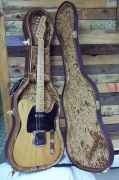 Fender Electric Guitar, Fender Telecaster, Vintage Guitars, Betty Boop, Musical Instruments, Musicals, Garage, Musik, Music Instruments