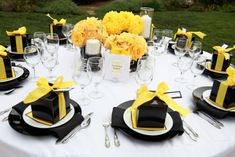 Yellow and Black Wedding Table Design Wedding Table Decorations, Wedding Table Settings, Decoration Table, Wedding Centerpieces, Place Settings, Black Centerpieces, Decor Wedding, Batman Wedding, Yellow Table