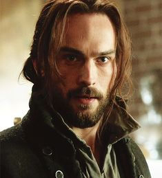 The incredibly handsome Ichabod Crane (Tom Mison)...although it could be the wig....and the clothes...and the sarcasm...