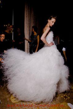 Marchesa's magical fashion, and backstage … bidibi bodibi bu High Fashion Looks, Modern Fashion, Marchesa Bridal, Princess Aesthetic, Catwalks, Backstage, Glamour, Photography, Clothes