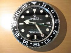 Wall clock 2015 GMT, completely new in box!