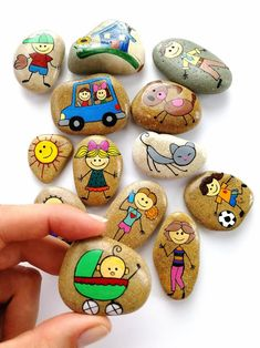 Family Story Stones, Game set, Painted Rocks, Preschool Learners games for kids ideas Stone Crafts, Rock Crafts, Diy And Crafts, Crafts For Kids, Pebble Painting, Pebble Art, Stone Painting, Stone Game, Rock Games