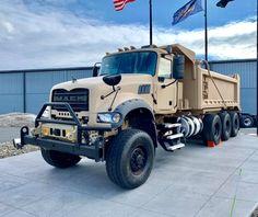 Mack Dump Truck, Old Mack Trucks, Big Rig Trucks, Dump Trucks, Lifted Trucks, Cool Trucks, Heavy Duty Trucks, Heavy Truck, Heavy Machinery