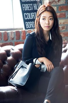 Park Shin Hye brings out her classic beauty with 'Bruno Magli' | allkpop.com