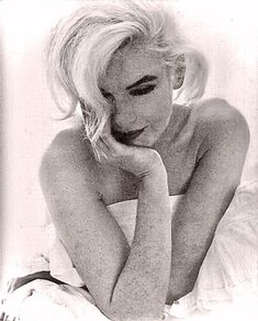 """Marilyn Monroe photographed by Bert Stern. """"The Last Sitting"""" photographed for Vogue magazine, Marilyn Monroe 1962, Marilyn Monroe Quotes, Bert Stern, Norma Jeane, Vogue Magazine, Rare Photos, Vintage Beauty, Beautiful People, Beautiful Things"""