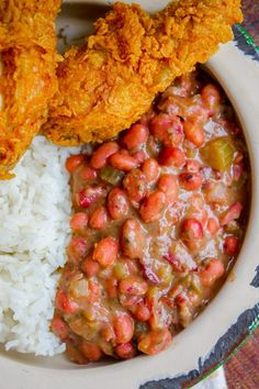 cajun food Red Beans and Rice (Better Than Popeye's!) from The Food Charlatan. Have you ever had traditional Red Beans and Rice? It's a southern staple! I tried Popeye's Red Beans and Rice Easy Rice Recipes, Bean Recipes, Side Dish Recipes, Delicious Recipes, Yummy Food, Tasty, Creole Recipes, Cajun Recipes, Crockpot Recipes