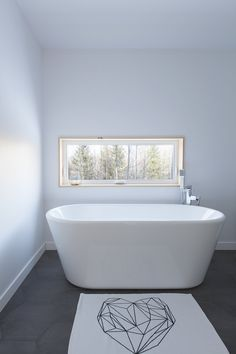 MAISON UNIFAMILIALE SAINT-SAUVEUR — DKA Architectes Saint Sauveur, Ski Chalet, Forest House, House Plans, Bathtub, Farmhouse, House Design, Bathroom, Interior