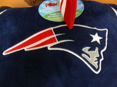 New England Patriots Pillow Pet Brand New with Tags! Patriotic Outfit, Patriotic Party, Patriotic Crafts, Patriots Bedding, Patriotic Quotes, New England Patriots Football, Only Clothing, Football Memes, Animal Pillows