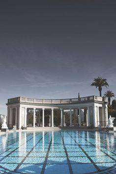 Envy Avenue STUNNING[ pool .........BELLA DONNA..............