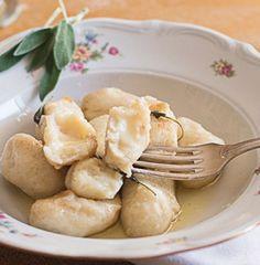 Gnocchi di patate su crema di Asiago dop.-