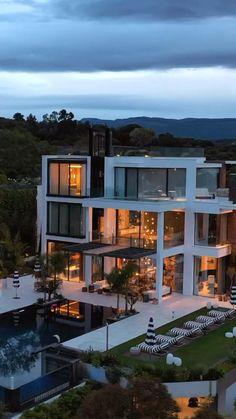 Modern Exterior House Designs, Modern Architecture House, Cool House Designs, Modern House Plans, Best Modern House Design, Modern House Facades, Exterior Design, Dream House Interior, Luxury Homes Dream Houses