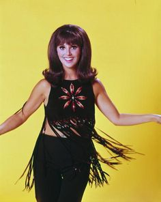 View and license Marlo Thomas That Girl pictures & news photos from Getty Images. Marlo Thomas, Danny Thomas, Girl Pictures, Girl Photos, Stock Pictures, That Girl Tv Show, 70s Fashion, Girl Fashion, Young Fashion