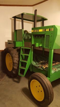 The coolest John Deere bed on Pinterest! All handmade to look like a John Deere 4440! Sofá Modular, John Deere Baby, John Deere Room, John Deere Nursery, John Deere Kids, Toddler Rooms, Tractor Bedroom, Boy Beds, Baby Furniture Sets