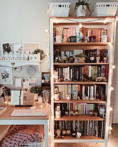 Tumblr Bookshelf, Indie Room, Retro Bedrooms, Cute Room Ideas, Aesthetic Room Decor, Pretty Room, Cozy Room, Cool Apartments, My New Room